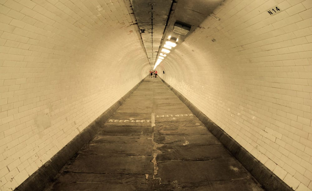 Foot Tunnel Greenwich - Canary Wharf to Greenwich Tour | Unexpected London